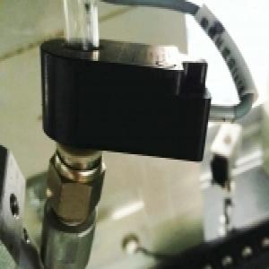 环形接近开关应用螺丝机